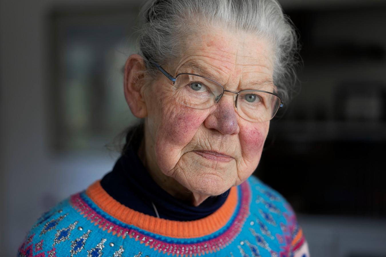 """Lily van Dommelen neemt deel aan het project Ons Gesprek van KBO-Brabant. ,,Ouderen zijn in de kantlijn van de maatschappij geschoven, alsof ze er niet meer bij horen."""""""