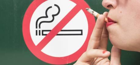 Terneuzen bant roken bij stadskantoren volledig uit