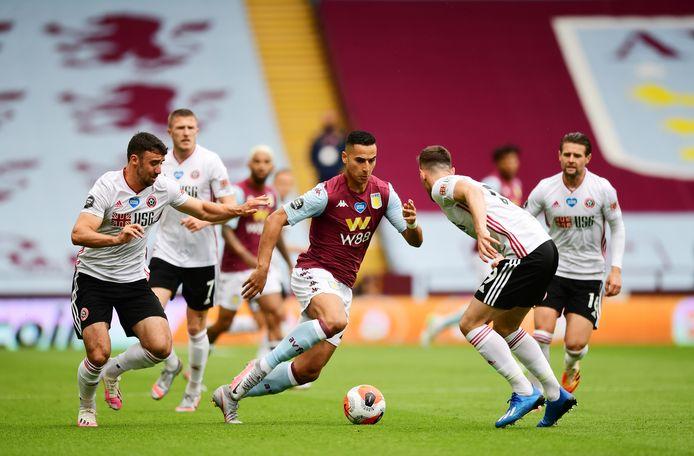 Anwar El Ghazi wist zich met Aston Villa op het nippertje te handhaven in de Premier League.