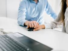 Relatie op de werkvloer? 'Een werkgever mag ingrijpen als het bedrijf schade ondervindt'