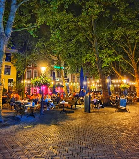 Tijdelijke terrassen Utrecht mogen paar weken langer openblijven: 'Ondernemers hebben het moeilijk'