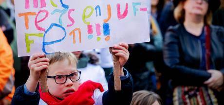 Strijd tegen lerarentekort gaat op laatste schooldag onverminderd door: 'De wanhoop is groot'