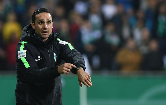 Alexander Nouri moet het veld ruimen bij Werder Bremen.