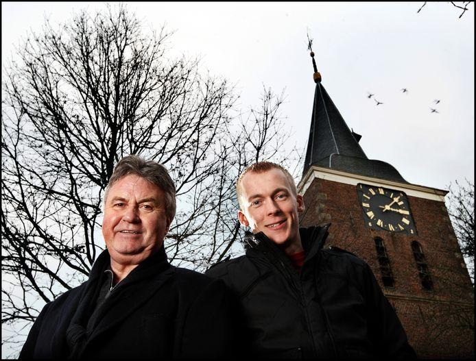 Guus Hiddink samen met die andere wielrenner Robert Gesink in Varsseveld.