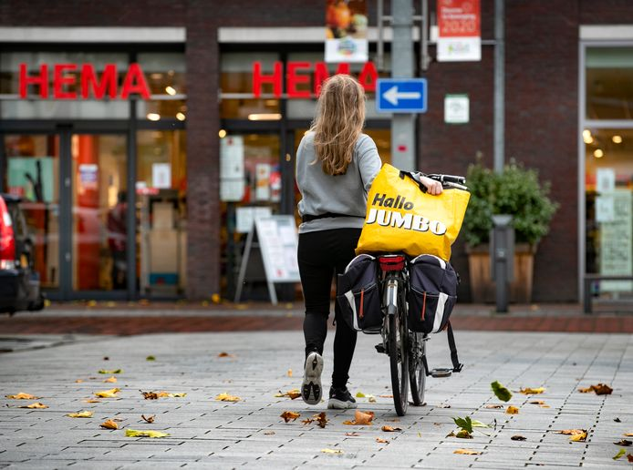 Jumbo-familie Van Eerde wil een Hema zonder Britse aandeelhouders en de overname alleen financieren met Nederlandse banken