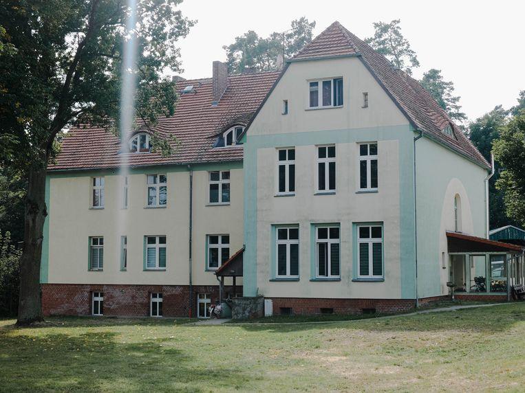 De Fichtengrund, het ruime huis waar Angela Merkel samen met haar jongere broer en  zus opgroeide. Beeld Marcus Reichmann