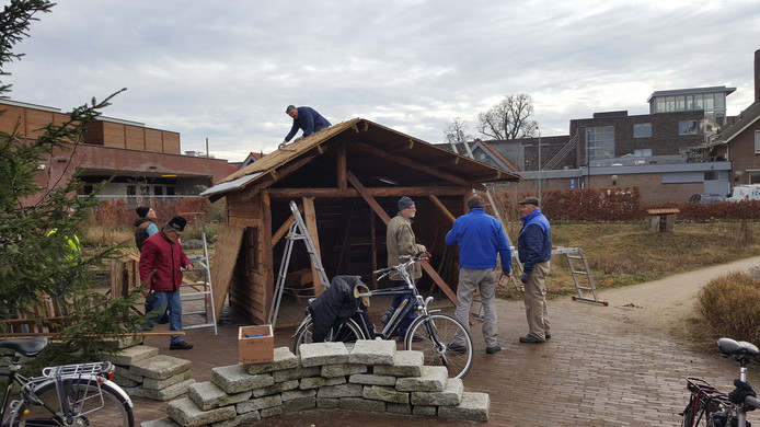 De kerststal zoals die vorig jaar nog werd opgebouwd in de openbare tuin in Goirle.
