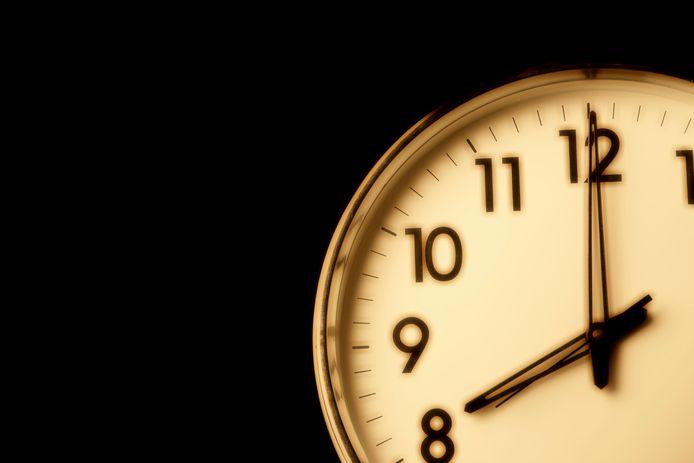 Het kabinet heeft het OMT gevraagd om een spoedadvies over het instellen van een avondklok.