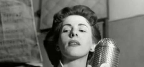 Deze vrouw zong het eerste liedje ooit op het Songfestival, geschreven door een beroemde Nederlandse schrijfster