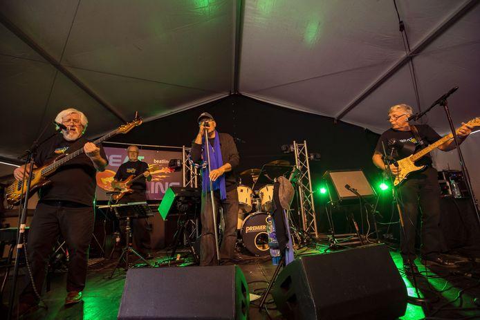 Live muziek op de kermis in Eibergen