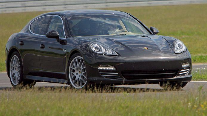Archiefbeeld van een Porsche Panamera.
