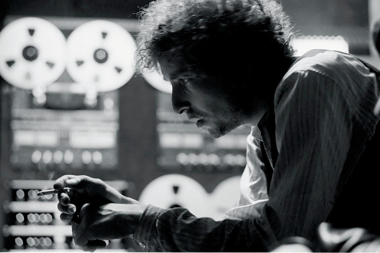 'Wanneer Bob Dylan zich even niet tot zijn aardse helden richt, gaat hij het – net als zijn idolen Elvis en, jawel, Little Richard – in hogere sferen zoeken en komt hij algauw bij de Allerhoogste terecht.' Beeld Contour by Getty Images