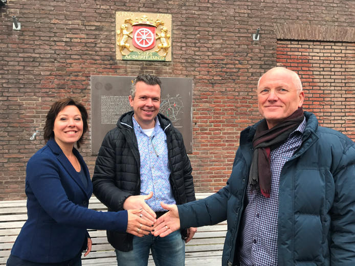 Ilonne Bongers en Robert Frijlink volgen samen de Wageningse centrummanager Tom Kool (rechts) op.
