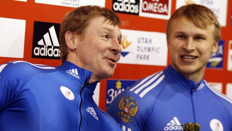 Bij de mannen wonnen Alexsandr Zubkov en Dmitry Trunenkov. Beeld EPA