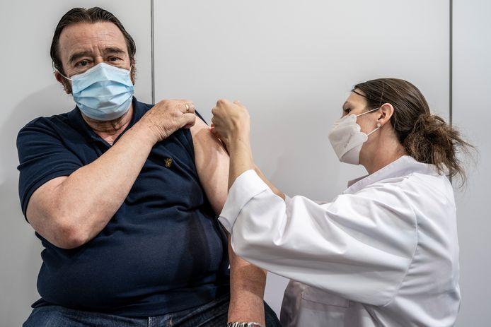 Vooral mensen die zich niet laten vaccineren, zullen volgens viroloog Steven Van Gucht in het ziekenhuis belanden tijdens een vierde golf.