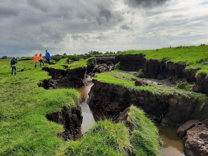 In de polder bij Reeuwijk verschoof afgelopen zomer een dijk over een lengte van tientallen meters.