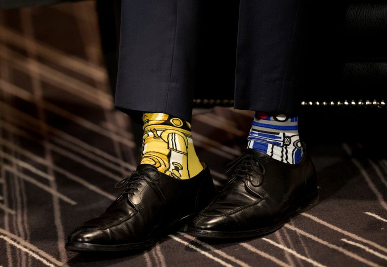 'May the fourth be with you'. Met deze sokken vierde Justin Trudeau Star Wars-dag op 4 mei in Montréal.