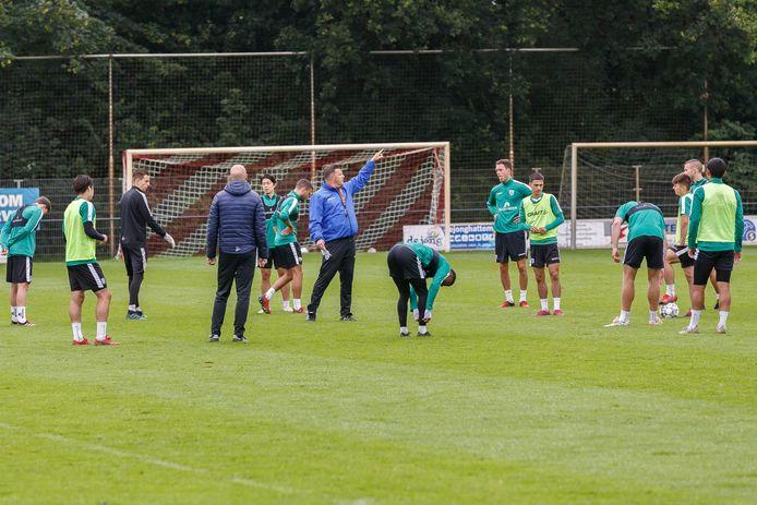 Het oefenschema van PEC Zwolle krijgt langzamerhand een gezicht.