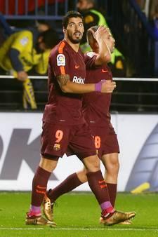 Suárez en Messi helpen Barcelona aan zege bij Villarreal