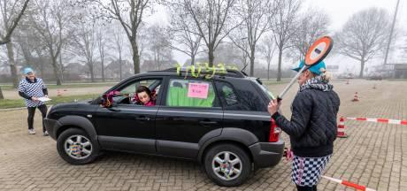 Feeststemming bij Lithse Kwis op Wielen: 'Even lekker een middag eruit en iets leuks doen'
