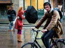 Fietsers mogen overdag niet meer door Haagse winkelstraten: 'Het is te gevaarlijk, te chaotisch'