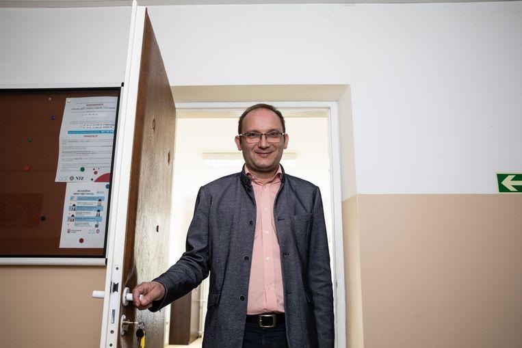 Radoslaw Brzózka in zijn kantoor in Swidnik. Beeld Piotr Malecki