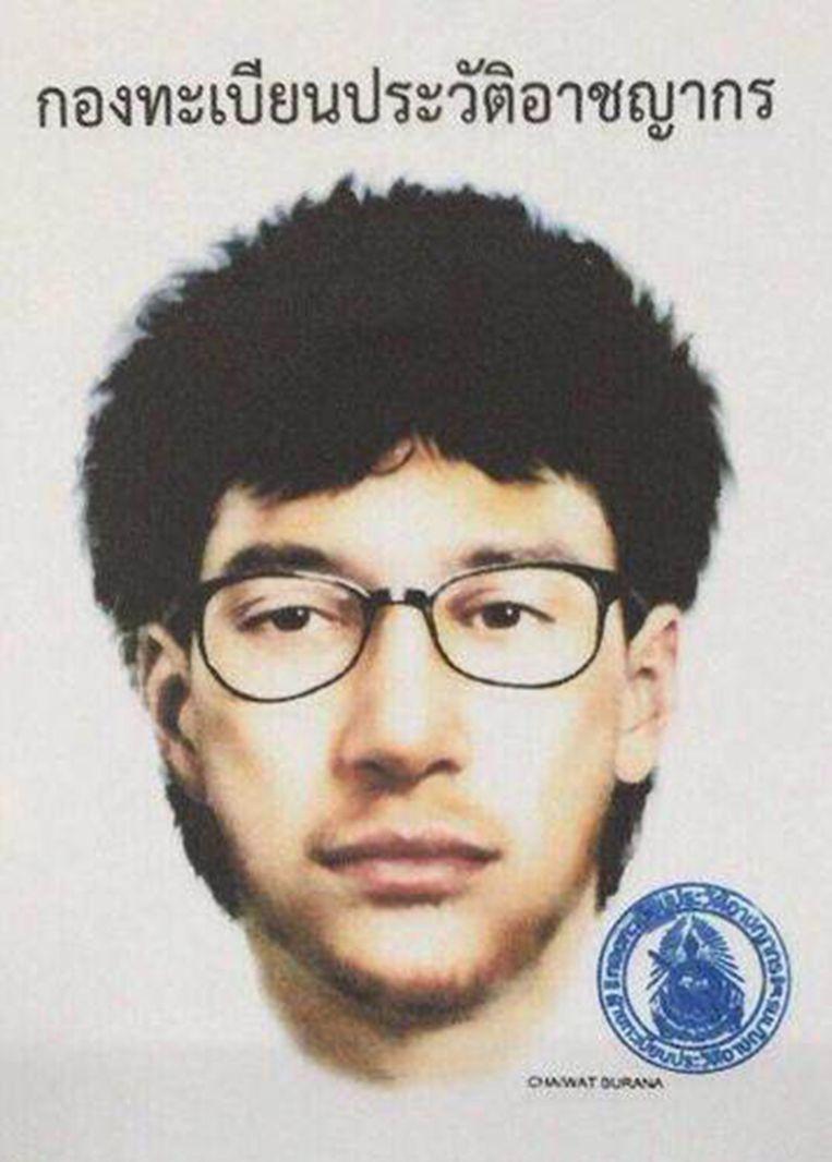De Thaise politie heeft een foto verspreid van de vermoedelijke dader van de aanslagen. Beeld afp