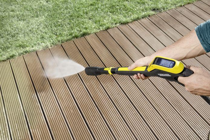 Jouw bankirai-terras is in een mum van tijd schoon met een hogedrukreiniger.