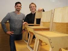 Zwols ontwerpersduo maakt  stoel die met leerling meegroeit