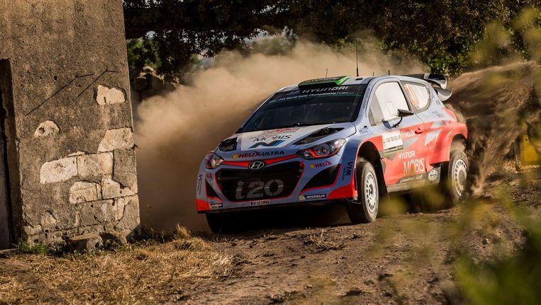 Hayden Paddon in zijn Hyundai.