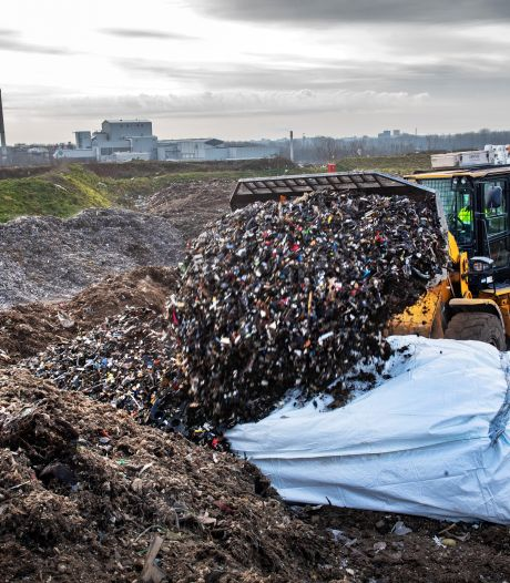 Gigantische asbestberg groeit - ook in Twente - maar niemand durft zich te branden aan een oplossing