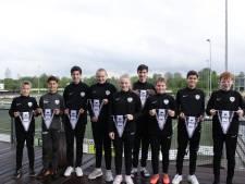 Negen jeugdspelers van WSV mogen zich bij een profclub in de kijker spelen volgend seizoen