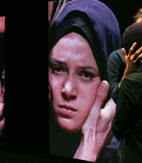 IS-slachtoffers zijn woedend over toneelstuk Oostpool over Syriëgangster Laura H.