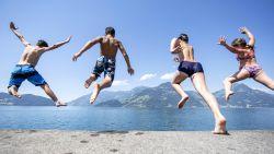 """""""Plan die zomer niet te vol, maak tijd voor natuur, hobby's en 'lekkere' seks"""": psychologen geven 7 tips voor een verkwikkende zomervakantie in tijden van corona"""