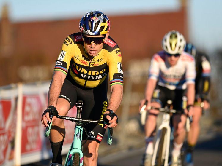 """Van Aert meteen derde bij rentree in Kortrijk: """"Ik ben heel tevreden met mijn podiumplaats"""""""