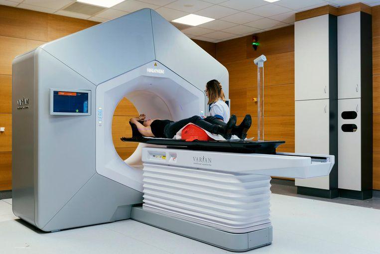 Dankzij het bestralingstoestel Halcyon worden kankerpatiënten twee keer sneller bestraald in het UZ Leuven.