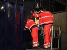 Slapende man in Roosendaal gewond doordat afvalcontainer begint te persen