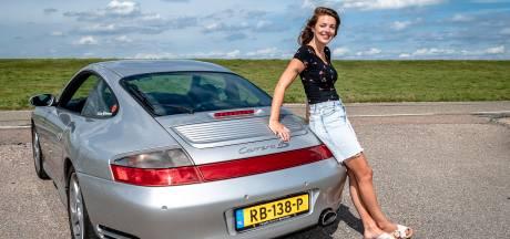 De Porsche van Jennifer is een 'klein monstertje'