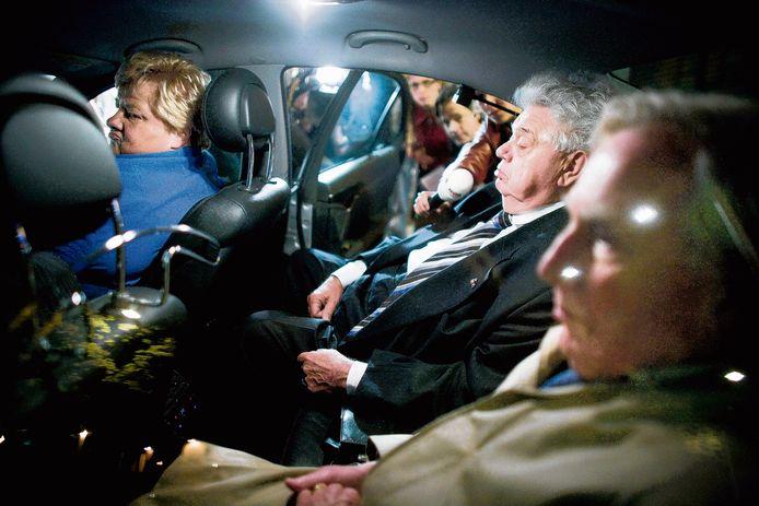 Prijswinnende foto van nors kijkende VVD-prominenten na afloop van de mislukte bemiddeling met Rita Verdonk, in het Novotel in 2007.