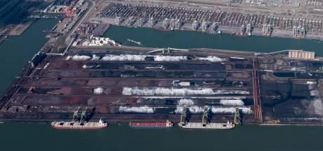 Bedrijven in de Rotterdamse haven moeten met aanpak komen tegen overlast van kolenstof