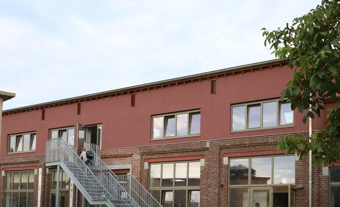 Het vernieuwde schoolgebouw.