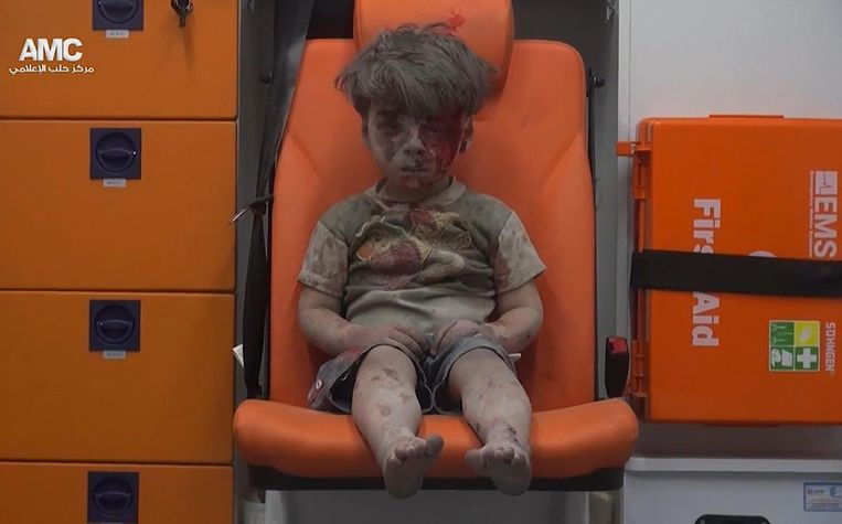 Ook het beeld van de vijf-jarige Omran liet haast niemand onberoerd.