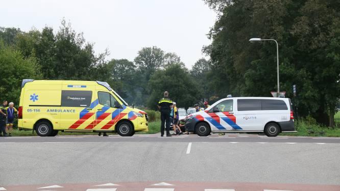 Wielrenner gewond na ongeluk in Markelo, traumaheli opgeroepen