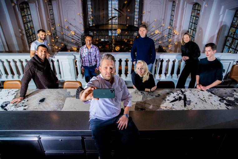Nick Bril en zijn team in The Jane. Beeld Jan De Meuleneir / Photo News