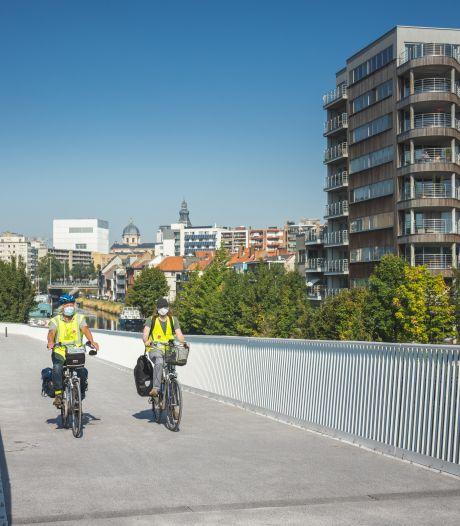 """Ontbrekend stukje fietspad naast Louisa d'Havébrug wordt eindelijk aangelegd: """"Na het bouwverlof starten we met de werken"""""""