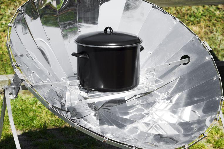 Met de Solar Cooker kan je koken zonder gebruik van elektriciteit, gas of vuur.
