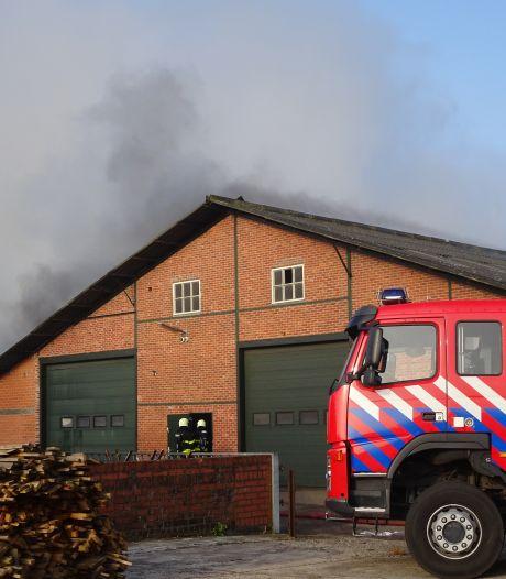 Asbest vrijgekomen bij brand in Baarle-Nassau, geen gevaar voor omwonenden
