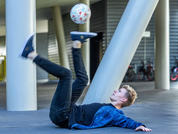 Freestyler Guido van Moorselaar (27) oefent vijf dagen per week, anderhalf uur per dag, op zijn moves.