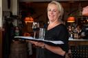Liesbeth Bakker nam tijdens de coronacrisis juist mensen aan voor haar hotel-restaurant in Vorden.