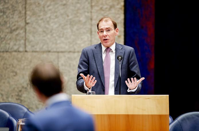 Een groot deel van de oppositie zegde woensdag het vertrouwen in staatssecretaris Menno Snel op.